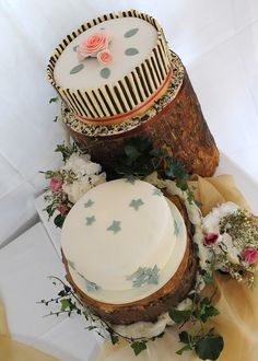 Country feel Wedding DeeLicious Lemon cake and Double Chocolate Cake decorated for a relaxing country feel Double Chocolate Cake, Cake Decorating, Wedding Cakes, Artisan, Cheese, Rustic, Bride Groom, Sweet, Desserts