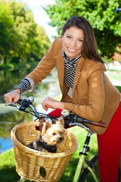 Love the puppy in the basket with this vintage bike and senior girl Seniors » Audrey Wolf Photography