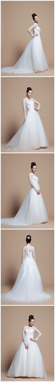 Soo pretty and it reminds me of Kate Middleton's wedding dress