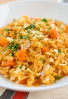 Slimming Eats Roasted Butternut Squash Risotto - gluten free, vegetarian, Slimming World and Weight Watchers friendly Risotto Dishes, Risotto Recipes, Risotto Rice, Slimming World Vegetarian Recipes, Healthy Recipes, Savoury Recipes, Sans Gluten, Gluten Free, Butternut Squash Risotto