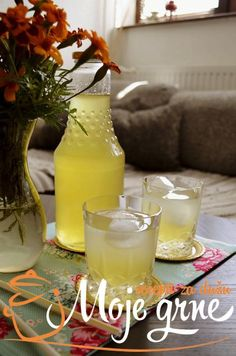 Sirup od limuna sa đumbirom, mentom i ruzmarinom Summer Drink Recipes, Summer Drinks, Fun Drinks, Healthy Drinks, Healthy Recipes, Sacher Torte Recipe, Fruit Nutrition Facts, Canned Juice, Canning Jars
