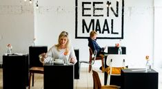 A restaurant for one: Eenmaal
