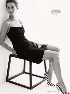 Christy Turlington by Alexi Lubomirski for Harper's Bazaar UK January 2014 6 Christy Turlington, Beauty Forever, Celebrity Photographers, Glamour, Linda Evangelista, Naomi Campbell, Vintage Vogue, Harpers Bazaar, Classic Beauty