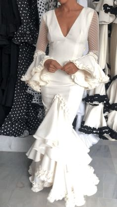 Spanish Woman, Bridal Looks, Dress Patterns, Trendy Fashion, Our Wedding, Mexico, Classy, Costumes, Formal Dresses