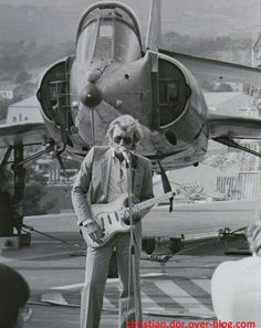 johnny hallyday concert sur le porte-avions foch juillet 1978