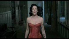 Amália Hoje - Gaivota (VIDEOCLIP), via YouTube.