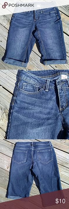 5 Pocket Faded Glory Shorts 5 Pocket Faded Glory Shorts. EUC. Worn only a few times. Jeans