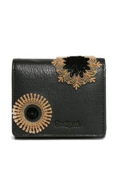 Desigual Outlet - Desigual / Different. Bags, Fashion, Handbags, Moda, Fashion Styles, Fashion Illustrations, Bag, Totes, Hand Bags