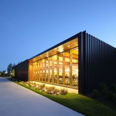 Image 20 of 39 from gallery of South Surrey Recreation & Arts Centre / Taylor Kurtz Architecture+Design. Photograph by Ema Peter Architecture Design, Factory Architecture, Industrial Architecture, Facade Design, Exterior Design, Building Exterior, Building Design, Warehouse Design, Hospital Design