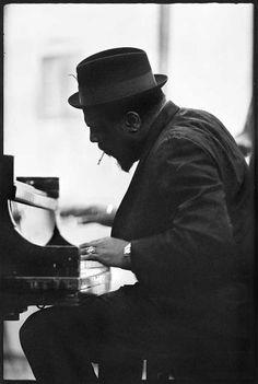 /Thelonious Sphere Monk (October 1917 – February was an American jazz pianist and composer, considered one of the giants of American music. Jazz Artists, Jazz Musicians, Music Artists, Music Love, My Music, Reggae Music, Music Pics, Music Stuff, Celebrity Weddings
