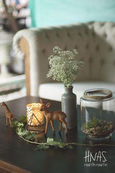 Lowlands, ambientación, casamiento, boda, centro de mesa, animales, terrario, suculentas  decor, wedding, centerpiece, animals, terrarium, succulents