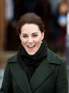 When you meet The Duchess of Cambridge 😁 Duchess Kate, Duke And Duchess, Baby George, Queen Of England, Duke Of Cambridge, Herzog, Princess Kate, British Royals, Kate Middleton