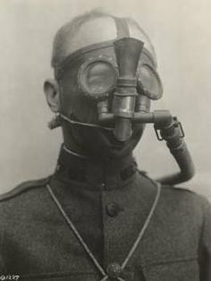 French Tissot gas mask WW1