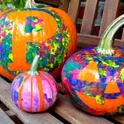 pumpkin painting - great craft for toddler's. N loved doing this last year