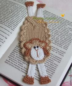 New year 2015 bookmark Crochet Bookmark Pattern, Crochet Bookmarks, Crochet Books, Love Crochet, Crochet Gifts, Crochet Motif, Crochet Flowers, Crochet Stitches, Knit Crochet