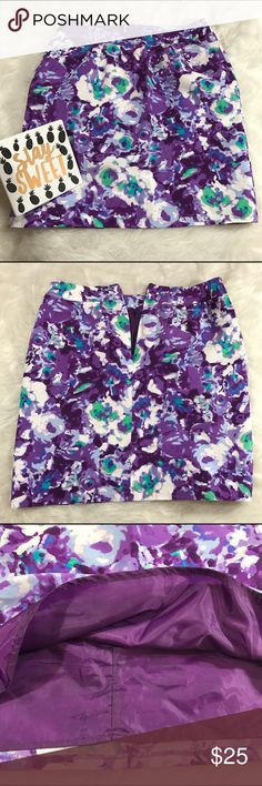 """Halogen Floral Silk Skirt Halogen Floral Silk Skirt. Lining. Zipper on the back. Perfect for Spring and Summer. Like-new condition: no flaws.  Waist: 32"""" Length: 19.5""""  78% Cotton, 22% Silk  ❌No Trades❌ 📦Fast Shipping📦 💬Offers Considered💬 🛍10% Off 2+ Items🛍 Halogen Skirts Pencil"""