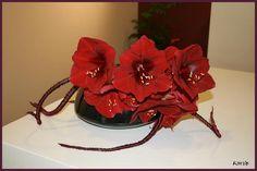 Fleurige feestdagen met bloemstukje op de feesttafel - Kerststuk met Amaryllis en berengras maken