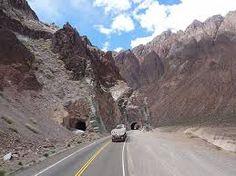 Resultado de imagem para estradas chile