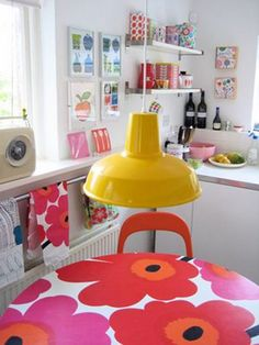 Vintage Marimekko formica kitchen table - one of my favourite pieces of furniture. Marimekko, Bright Kitchens, Home Kitchens, Do It Yourself Design, Interior Decorating, Interior Design, Piece A Vivre, Home And Deco, Mellow Yellow