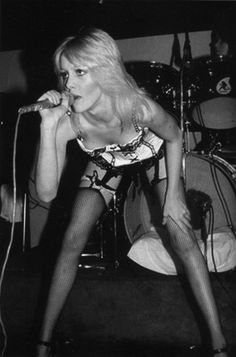 Cherie Currie singing Cherry Bomb