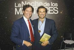 Muy satisfecho con mi medalla de mentor en la noche de los mentores en el Heroes Club, una plataforma de apoyo a proyectos emprendedores con un marcado foco en la Innovación. Me acompaña - y pone la medalla - Aurelio Garcia de Sola, CEO y fundador de esta heróica iniciativa.