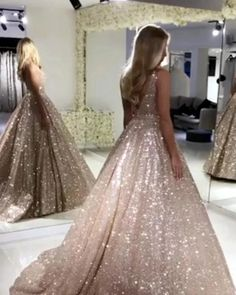 Outfits * Sparkly Prom Dress Sleeveless V Neck Ball Gown with Sequins Party Dress - Outfit Invernali Rose Gold Quinceanera Dresses, Glitter Prom Dresses, Straps Prom Dresses, Ball Gowns Prom, Backless Prom Dresses, Party Gowns, Ball Dresses, Glitter Dress, Sequin Evening Gowns