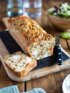 Cake salé aux petits pois, carotte et feta Sandwiches, Turkey, Healthy Recipes, Healthy Food, Bread, Feta, Cooking, Cakes, Lunch Ideas