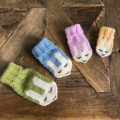 Ravelry: Kaninvotter/Bunny mittens pattern by Eva Norum Olsen Crochet Mittens Pattern, Fox Hat, Knitted Gloves, Olsen, Ravelry, Needlework, Bunny, Knitting, Cute