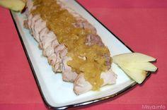 L'arrosto alle mele è un secondo piatto dal sapore molto particolare, la carne, in questo caso un pezzo di arista di maiale, dopo essere stato rosolato, viene
