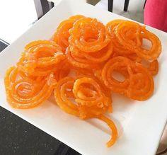Hint tatlısı olan Jalebiden sizlerde yapmak isterseniz resimli ve anlatımlı tariften yararlanabilirsiniz.