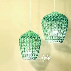 Five Ideas To Decorate Your Bedroom With White Wicker Furniture - Wicker Decor - Newspaper Basket, Newspaper Crafts, Willow Weaving, Basket Weaving, Wicker Pendant Light, White Wicker Furniture, Rattan Lamp, Paper Magic, Paper Weaving