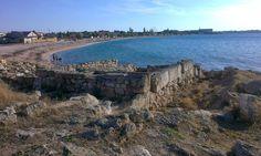 Калос Лимен— древнегреческий город, существовавший с IV в. до н. э. по I в. н. э. на месте современного посёлка Черноморское. Название переводится с древнегреческого как «прекрасная гавань».  29 июня 2014 г.