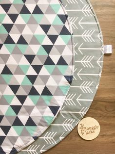 Round Playmat Baby Nursery Throw Rug Triangles and Arrow Cot Quilt, Quilts, World Of Interiors, Throw Rugs, Kids Bedroom, Nursery Decor, Triangle, Etsy Shop, Playmat Baby