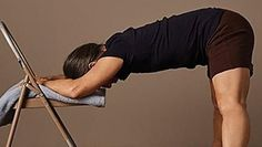 Chiropractors Baffled: Simple Stretch Relieves Years of Back Pain (Watch) Arthritis, Popular Woodworking, Woodworking Plans, Back Pain, Glutes, Pain Relief, Yoga Poses, Diabetes, Health Tips