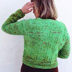 Cactuscardi by @strikkstiina. Knitted in Hillesvåg Ask, coloured by @varbitt, color Kaktus.