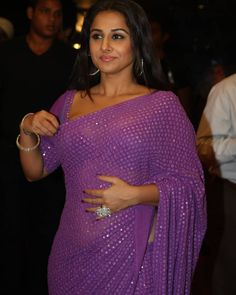 Malayalam Actress, Tamil Actress, Indian Gowns Dresses, Indian Bollywood Actress, Vidya Balan, Saree Look, South Actress, Bollywood Stars, Hot Actresses
