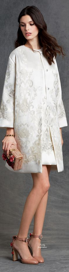 Dolce&Gabbana Winter 2015 a studio shot usually shows real worth to clothes than the theatricality of the runway.