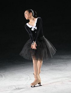 Stars On Ice MAO ASADA FIGURE SKATING world champion/ MAO ASADA