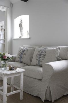 Linen Couch Slipcovers - One you experience the comfort, support, and ease of movement delivered by a bean bag couch, you'l Interior Exterior, Interior Design, White Couches, Linen Sofa, Couch Covers, Design Case, French Decor, Cool House Designs, White Decor