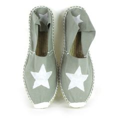 Alparagta sewn and painted by hand White star. Espadrilles, Toms, Zapatillas Casual, Painted Clothes, Love Stars, Cute Shoes, Baby Shoes, Footwear, Loafers