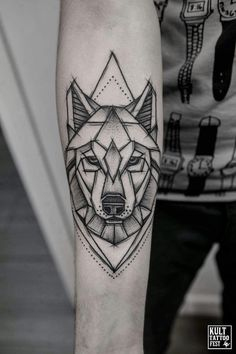 This is the one! Wolf Tattoos, Hand Tattoos, Animal Tattoos, Body Art Tattoos, Sleeve Tattoos, Maori Tattoos, Tatoos, Circle Tattoos, Celtic Tattoos