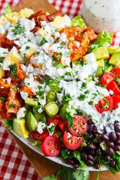 Bbq chicken Cobb salad with cilantro lime ranch dressing. It's time for another salad and boy do I have a tasty one for you, a BBQ chicken COBB salad with cilantro lime ranch dressing! This salad is a southwestern Salad Bar, Soup And Salad, Cobb Salad, Ensalada Cobb, Potluck Salad, Ranch Dressing Recipe, Clean Eating, Healthy Eating, Healthy Lunches