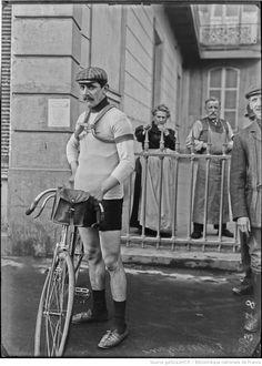 Gran Prix Wolber 1909, Critérium Français Peugeot. 1^Tappa, 18 aprile. Parigi > Tours. Lucien Petit-Breton (1882-1917) (Agence Rol) [gallica.bnf.fr / Bibliothèque nationale de France]