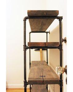 Идея 1068.Стеллаж из водопроводных труб и массива. ЦЕНА *от 15 000 руб. Ставим❤и подписываемся! #homeloftидеи #homeloftideas #moscow #москва #красиво #homeloftstudio #loft #design #interiordesign #interior #decoration #plumbingpipes #furniture #diy #pipes #modernthings #plywood #лофт #дизайн #дизайнинтерьера #мебель #своимируками #модныевещи #фанера #трубы Наш сайт: http://homeloftstudio.com В контакте: http://vk.com/homeloftstudio Facebook: http://facebook.com/homeloftstudio Напомин...