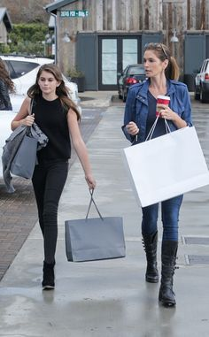 Cindy Crawford and Her Look-Alike Daughter Kaia Gerber Step Out for Some Retail Therapy