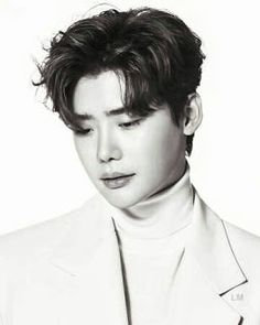 Lee Jong Suk entered military service later this month? Suwon, Lee Jong Suk Cute, Lee Jung Suk, K Pop, Jung So Min, Korean Celebrities, Korean Actors, Asian Actors, Lee Jong Suk Wallpaper
