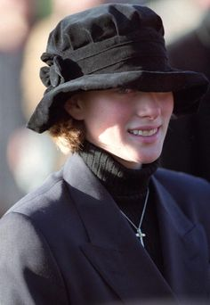 Zara Phillips - such a cute hat!