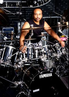 Carter Beauford. All the best drummers play Yamaha drums with Evans heads. They just sound the best. You owe it to yourself to see this guy play live. Amazing!