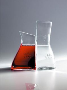 Botellas de cristal para el servicio de mesa.