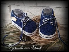 Zapatos Unisex de 3 a 6 meses - YouTube Crochet Baby Shoes, Crochet For Boys, Newborn Crochet, Crochet Baby Booties, Crochet Slippers, Felt Baby Shoes, Baby Boy Booties, Crochet Patron, Boy Shoes